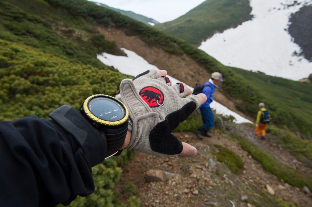 登山を楽しむ冒険者