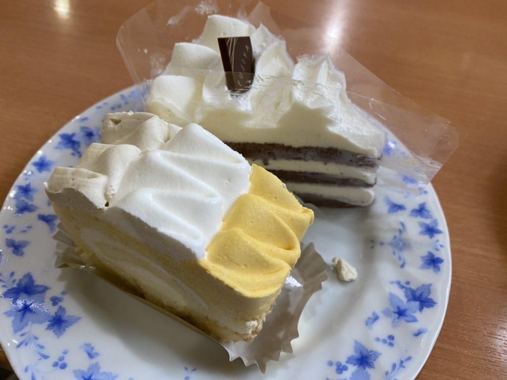 不二家栗ロールとホワイトチョコ生ケーキ