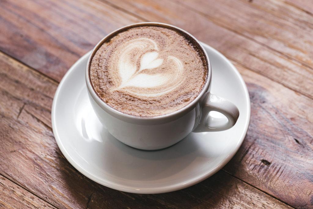 息抜きのハートラテコーヒー