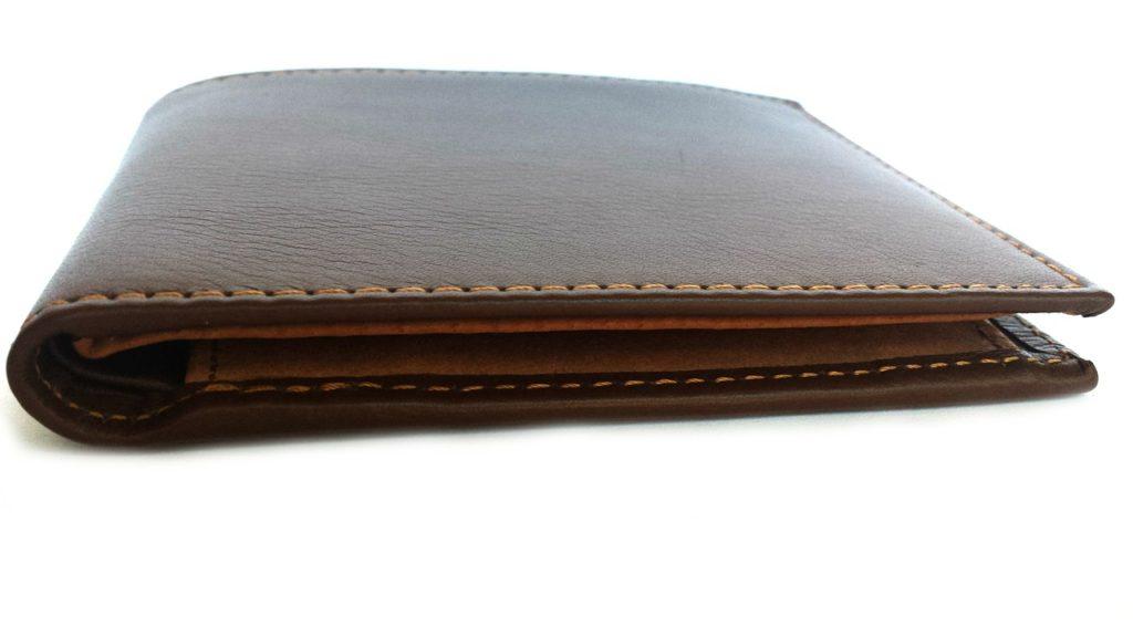 薄っぺらな財布