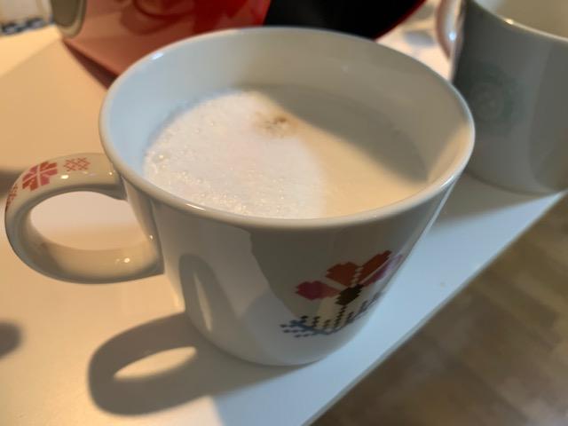 ネスカフェゴールドブレンドバリスタで作るカフェラテ