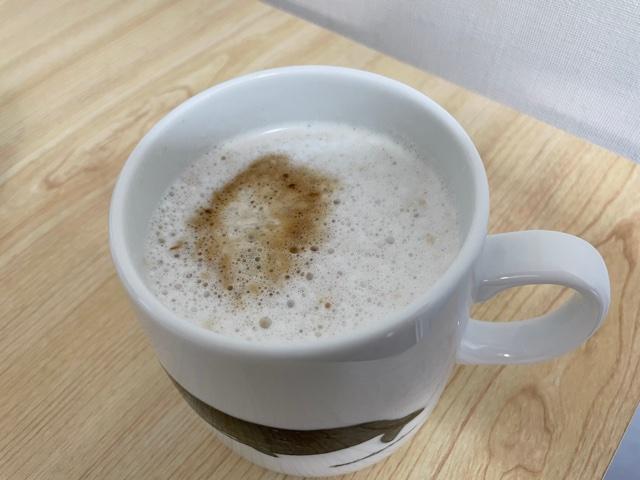 ネスカフェバリスタコーヒーマシンで淹れたカフェラテ