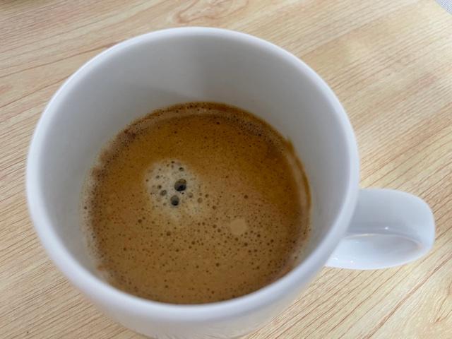 ネスカフェバリスタコーヒーマシンで淹れたブラックコーヒー
