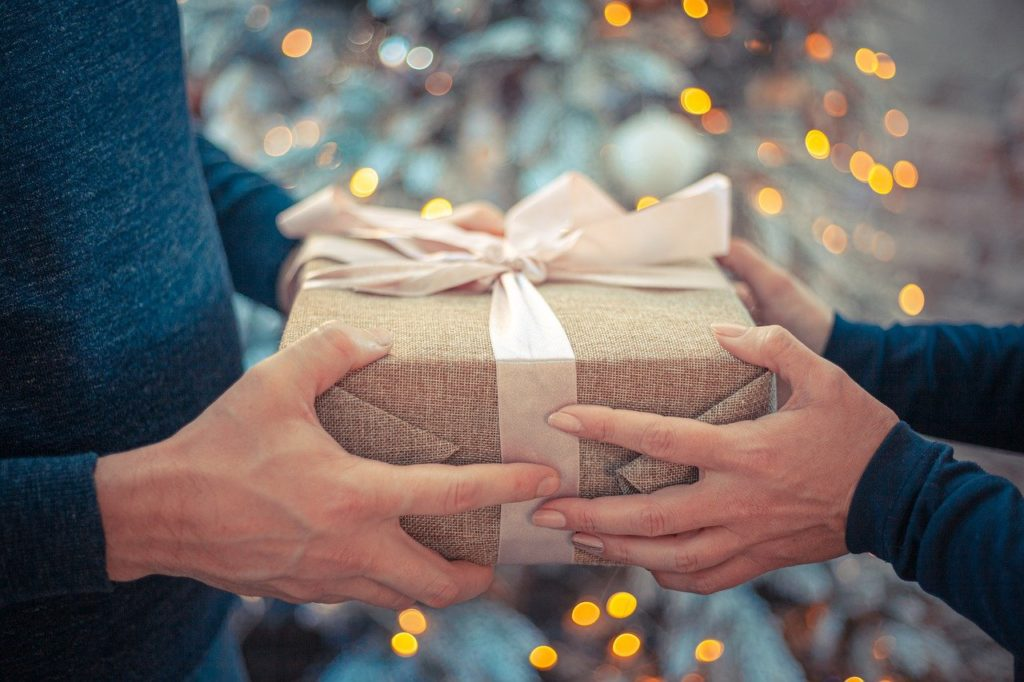プレゼント贈呈