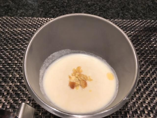 銀座のステーキコース料理スープ