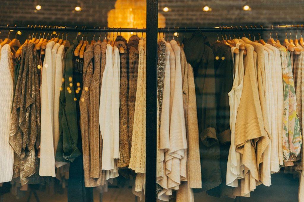 女性ものの服屋